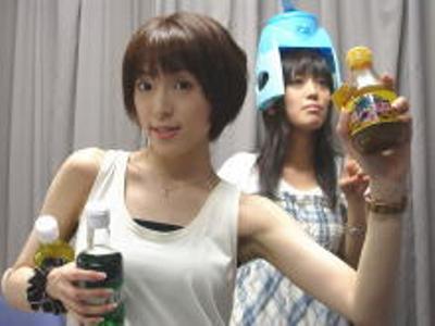 新発売のメッコールマックスコーヒー味です! - 中村さんと日笠さんその3へのボケ[1053277] - ボケて(bokete)