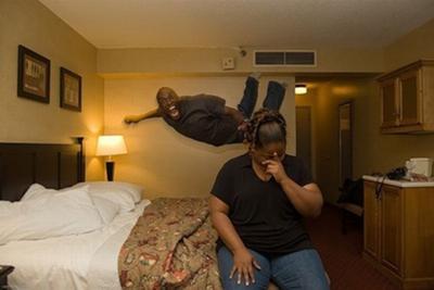 いわくつきホテルの取材で幽霊が...