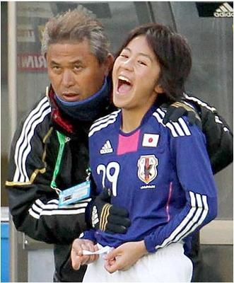 【サッカー】<U17女子日本代表>楠瀬監督「不適切な行為」で辞任!